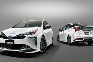 Toyota Prius 2019 hầm hố hơn với gói độ TRD chính hãng