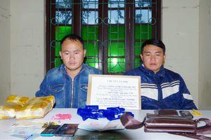 'Cất vó' ngày cuối năm, bắt hai đối tượng vận chuyển 12.000 viên ma túy tổng hợp
