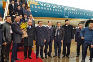 Thủ tướng đáp chuyến bay đầu tiên, khai trương sân bay Vân Đồn