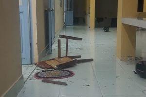 Truy tìm nhóm thanh niên đánh người, đập phá trụ sở Ban CHQS xã