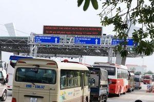 BOT Phả Lại xả trạm vì tài xế phản đối thu phí gây ùn tắc kéo dài