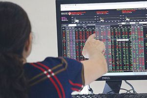 Bàn tròn chứng khoán: Chiến lược 'Buy & hold'