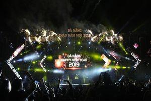 Khán giả Đà Nẵng đội mưa 'quẩy' cùng MTV, ERIK