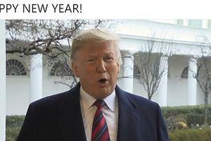 Ông Trump 'than thở' trong video mừng năm mới