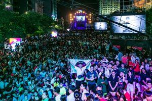 Hơn 50 ngàn người đón năm mới tại lễ hội ánh sáng trên phố đi bộ Nguyễn Huệ