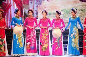 Hoa hậu Ngọc Hân đem bộ sưu tập áo dài ngập tràn sắc xuân đến 'Duyên dáng Việt Nam'