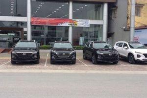 Khách hàng Việt ngao ngán khi Hyundai Santa Fe 2019 bị 'làm giá' lên đến cả trăm triệu đồng