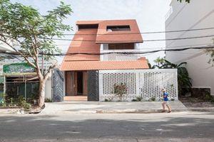 Nhà mái ngói ngập nắng gió đẹp mê mẩn giữa Sài Gòn