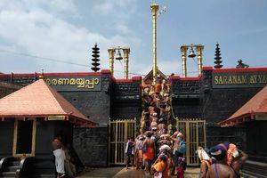 Hai phụ nữ Ấn Độ đầu tiên đặt chân vào đền thiêng Sabarimala