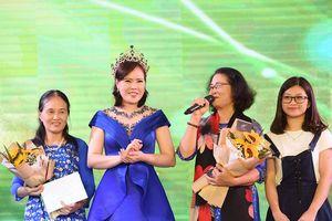 Mrs Vietnam 2018 Trần Thị Hiền tặng toàn bộ tiền thưởng cho Quỹ từ thiện