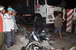 Tài xế container gây tai nạn đã ra trình diện công an