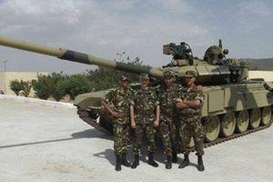 Campuchia nâng cấp tăng thiết giáp: Sẽ chọn T-90 ?
