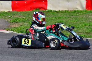 Tay đua nhí Việt Nam lần đầu tham dự giải đua xe quốc tế