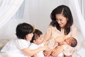 MC Minh Trang VTV gây tranh cãi vì chuyện cho con bú