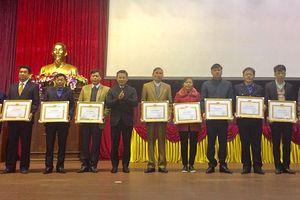Huyện Ứng Hòa không có tổ chức, cơ sở đảng yếu kém