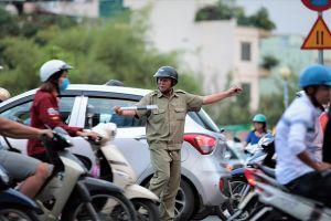 Những bức ảnh nói lên ý thức giao thông một bộ phận người dân TPHCM
