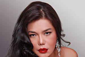 Nữ ca sĩ Sài Gòn nóng bỏng bị taxi Hà Nội 'bắt nạt' và cái kết bất ngờ
