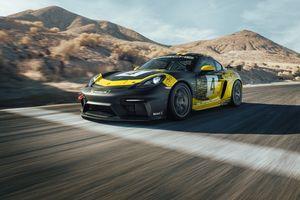 Porsche Cayman GT4 Clubsport thế hệ mới ra mắt với nâng cấp đáng giá