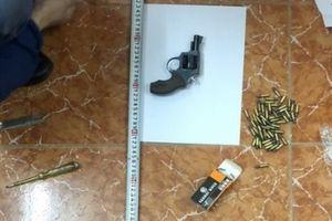 Công an Bắc Giang bắt nóng đối tượng dùng súng gây rối trật tự công cộng