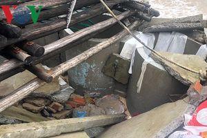Triều cường uy hiếp làng biển Tuy An, Phú Yên