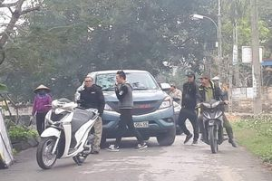 Hải Phòng: Nhóm thanh niên chặn xe tránh trạm thu phí BOT QL10
