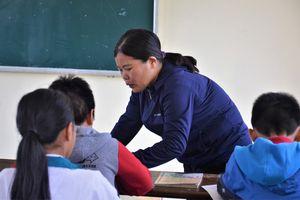 Khởi tố cô giáo bắt học trò tát bạn 230 cái
