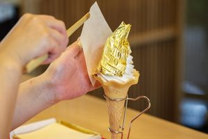 Vì sao người ta sử dụng vàng trong các món ăn?