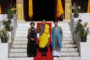 Đại sứ Phạm Sanh Châu trình Quốc thư lên Quốc vương Bhutan