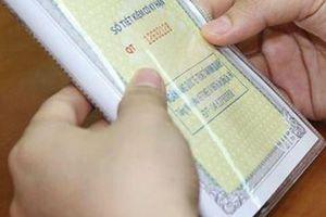 Cha mẹ cần làm gì để rút tiền trong sổ tiết kiệm đứng tên con?