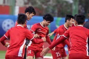 Asian Cup 2019: Tuyển Việt Nam tập buổi đầu tiên tại UAE
