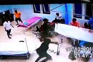 Vĩnh Long: Công an lên tiếng vụ hàng chục thanh niên đập phá trụ sở công an xã, 3 người nhập viện