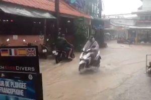 5 người chết, hơn 30.000 người sơ tán do bão số 1 Pabuk