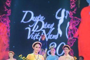 Mãn nhãn với bộ sưu tập áo dài của Ngọc Hân tại Duyên dáng Việt Nam