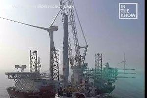 Quá trình lắp đặt kết cấu thép 1.300 tấn giữa đại dương kỳ công ra sao