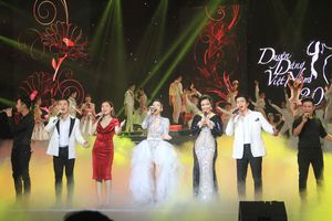 Nồng nàn bản giao hưởng bốn mùa tại Duyên dáng Việt Nam 30