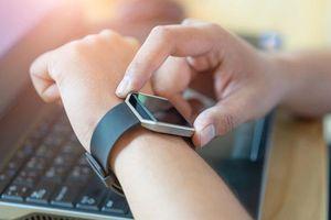 Thống trị thị trường thiết bị đeo, Apple vẫn phải lo lắng