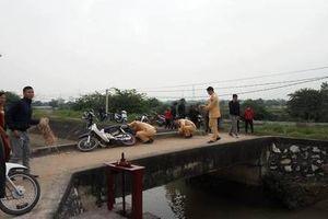 Hà Nội: Đi qua cầu người phụ nữ bị ngã rơi xuống kênh tử vong