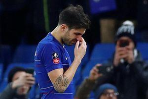 Cesc Fabregas rơi lệ trong ngày chia tay Chelsea