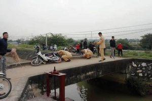 Không vững tay lái khi qua cầu, một phụ nữ rơi xuống sông tử vong