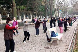 Cảnh báo nguy cơ đột quỵ do tập thể dục dưới trời rét