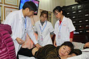 Cựu học sinh Hà Nội tổ chức chương trình 'Tình nguyện vì sức khỏe cộng đồng' lần 2