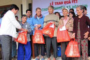Tết cho người nghèo: Không ai bị bỏ lại phía sau?
