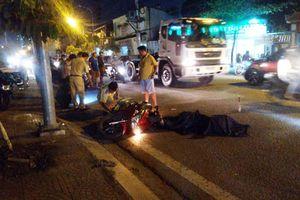 Người dân truy đuổi xe container bỏ chạy sau tai nạn chết người