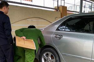 Vụ trung tá quân đội tử vong: Giám định xe hơi của cô giáo