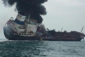 Tàu chở dầu treo cờ VN cháy ngoài khơi Hong Kong, 1 người thiệt mạng
