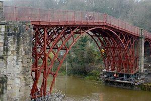 Chi 4,6 triệu USD khôi phục cây cầu sắt đầu tiên trên thế giới