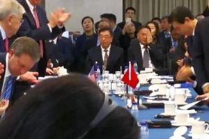 Động thái lạ của TQ trong ngày đầu đàm phán thương mại Mỹ-Trung