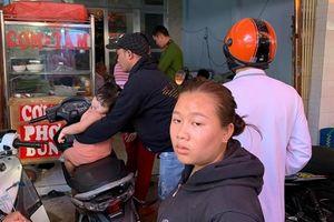 NÓNG: Kinh hoàng nhóm đòi nợ chặt 3 ngón tay con nợ ngay tại chợ