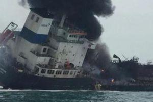 Nhiều thủy thủ người Việt trên tàu chở dầu bốc cháy ở Hong Kong