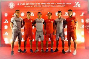 CLB TPHCM có áo đấu mới nhờ HLV Park Hang-seo